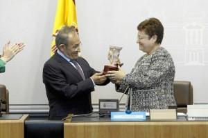 Homenaje al presidente de Pikolinos