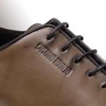 Detalles de la línea de calzado de caballero que llevará el nombre de Cristiano Ronaldo.