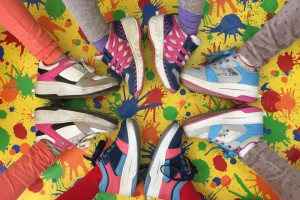 Los podólogos advierten sobre el uso de zapatillas con ruedines