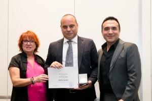 Sacha London recibe la Medalla de Oro de la Imagen