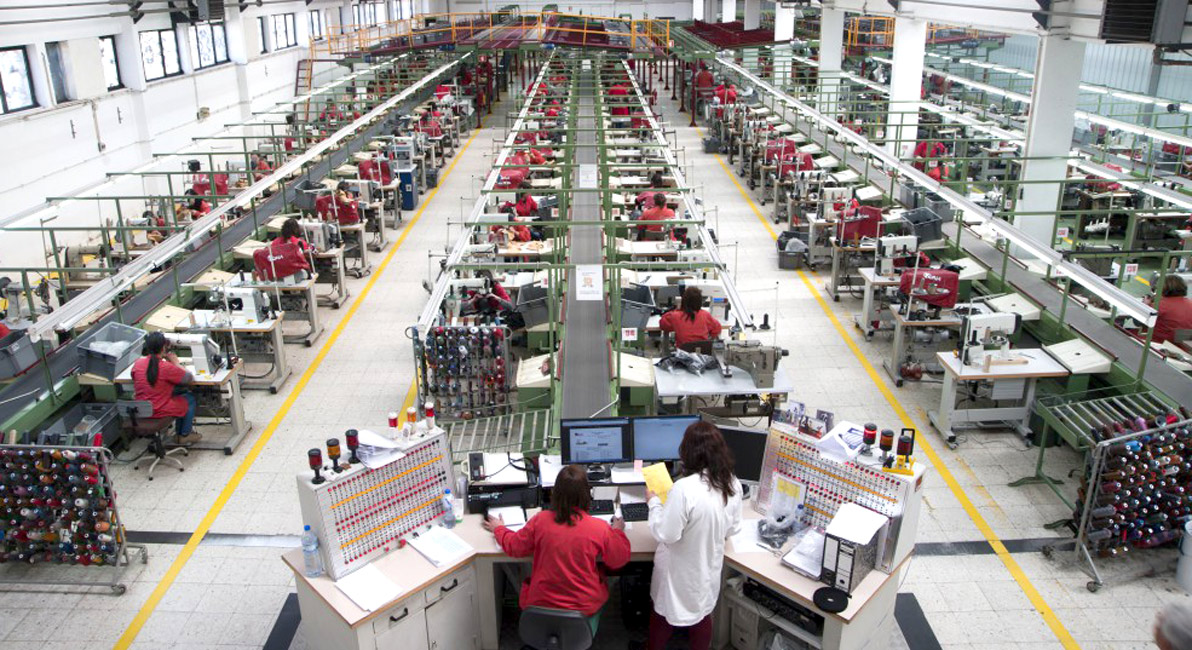 F brica de kyaia revista del calzado for Fabrica de placares en montevideo