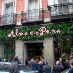 Fachada de la nueva tienda de Alma en Pena.