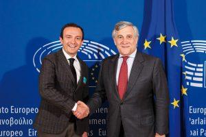 El presidente del Parlamento Europeo apoya la reindustrialización del sector europeo del calzado