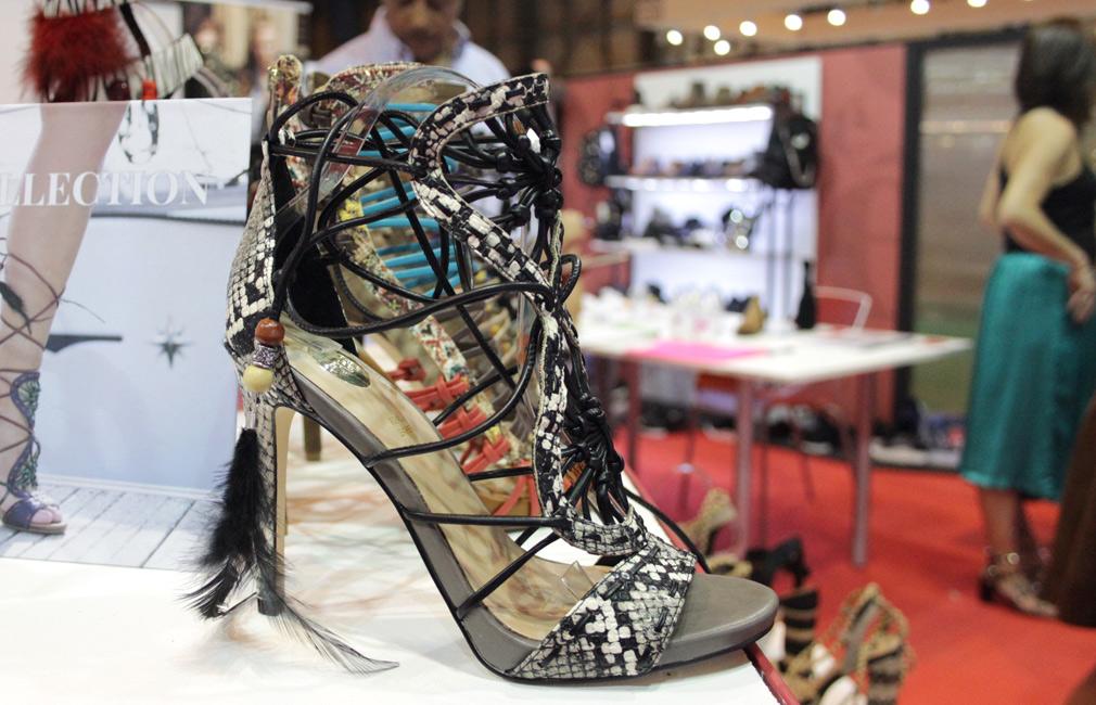 Exé Shoes.