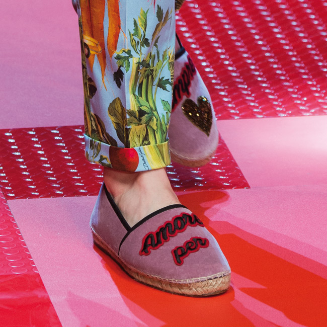 01-Dolce_and_Gabbana_Spring_Summer_2018_094