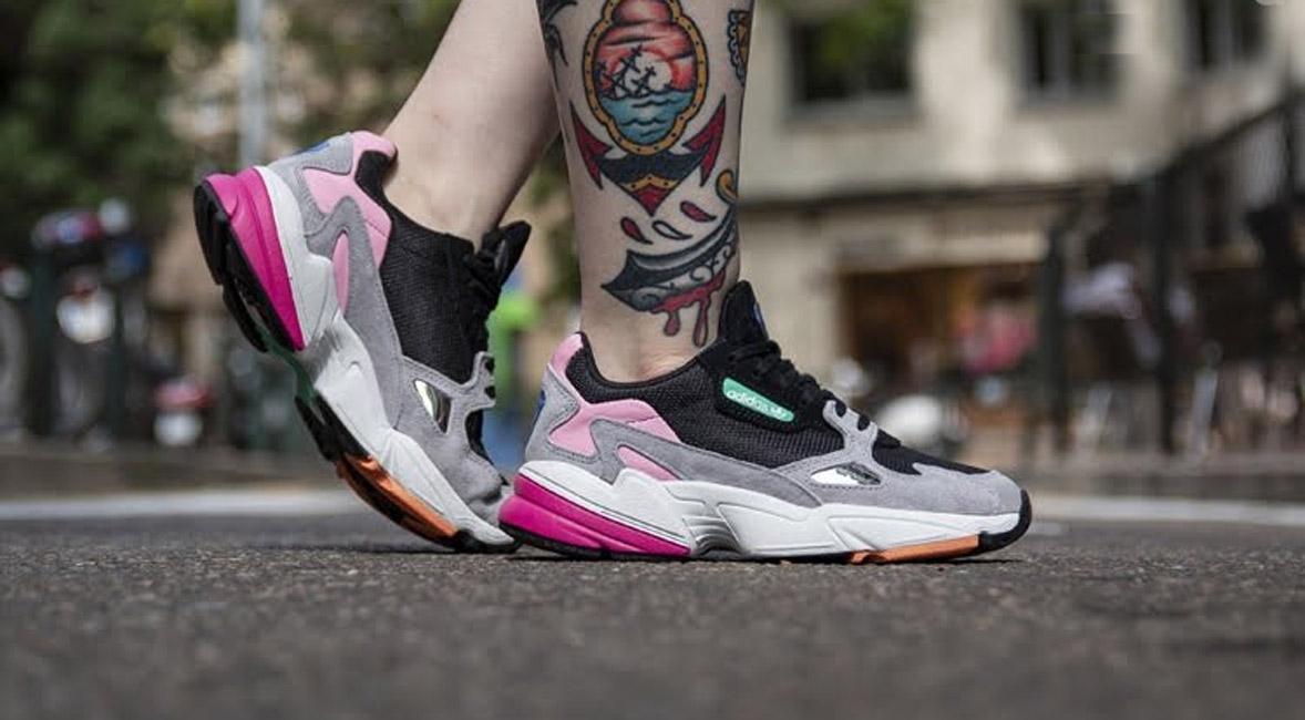 Imagen promocional de una sneaker de la marca Adidas.