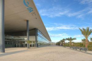 Las Cortes Valencianas, a favor de organizar una feria de calzado en Alicante