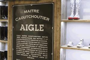 Aigle relocaliza parte de su producción de botas de agua